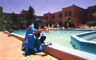 Hotel Riad Salam Zagora: Thé au bord de la piscine